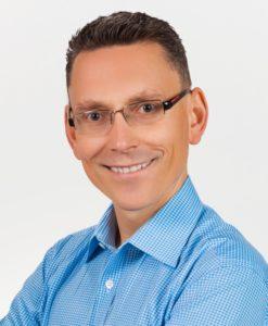 Tomasz Kurzydłowski - psycholog, coach, terapeuta par i małżeństw, trener uważnosci